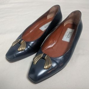 Vintage leather Bally low heels